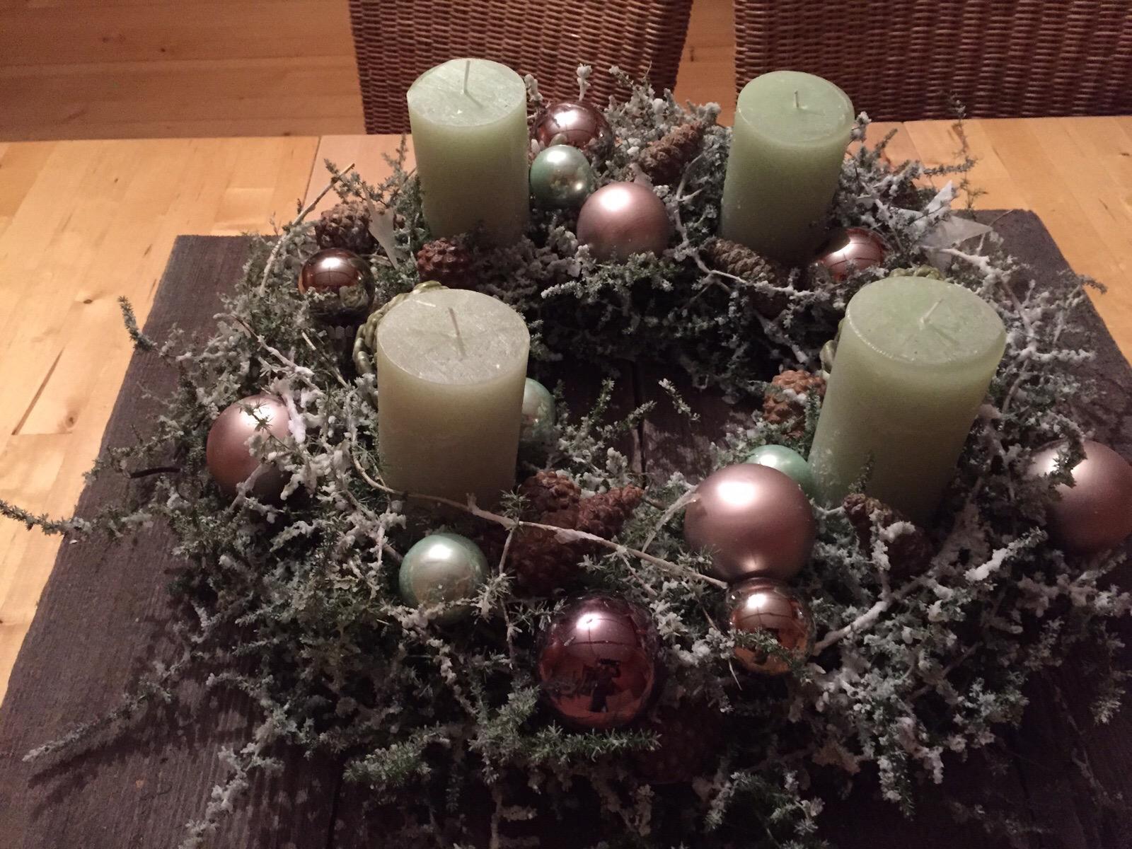 Individuelle floristik calamandrin for Weihnachtstrends 2016 floristik